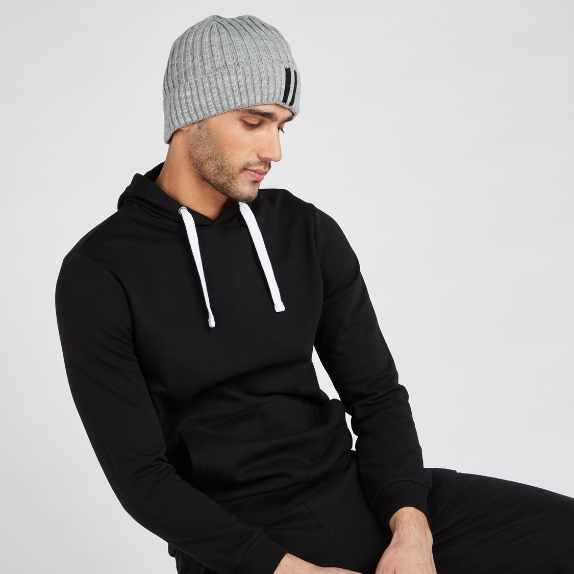 قبعة بيني مضلعة - طقم من قطعتين