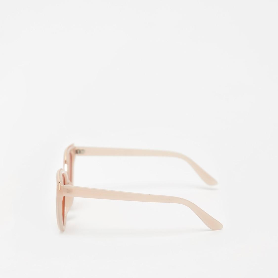Full Rim Cat-Eye Sunglasses with Metallic Detail
