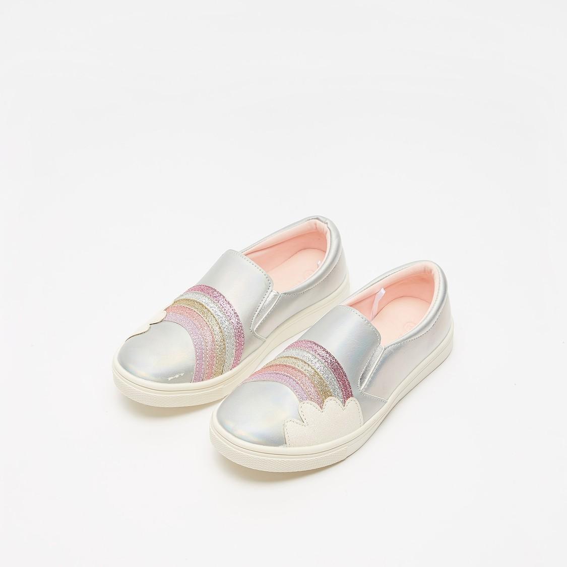 حذاء كانفاس سهل الارتداء بتفاصيل جليتر