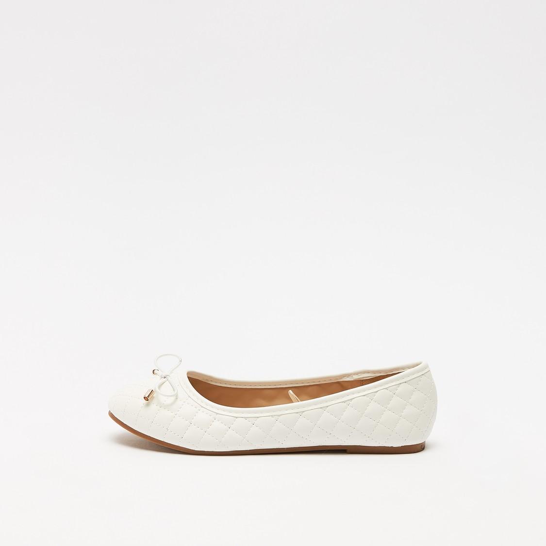 حذاء باليرينا مبطّن سهل الارتداء بتفاصيل فيونكة