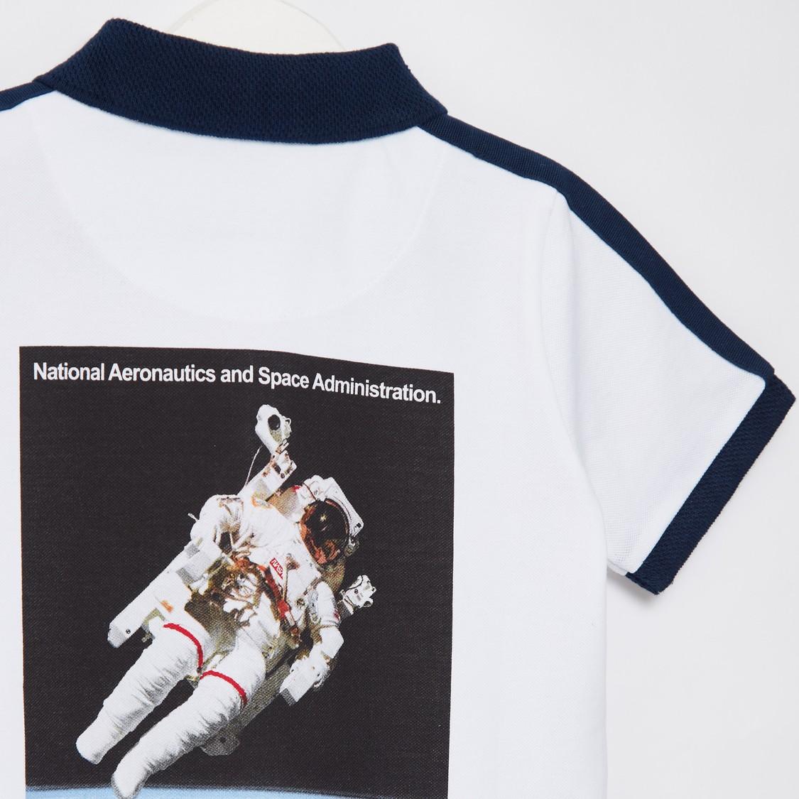 تيشيرت بولو بأكمام قصيرة وطبعات ناسا