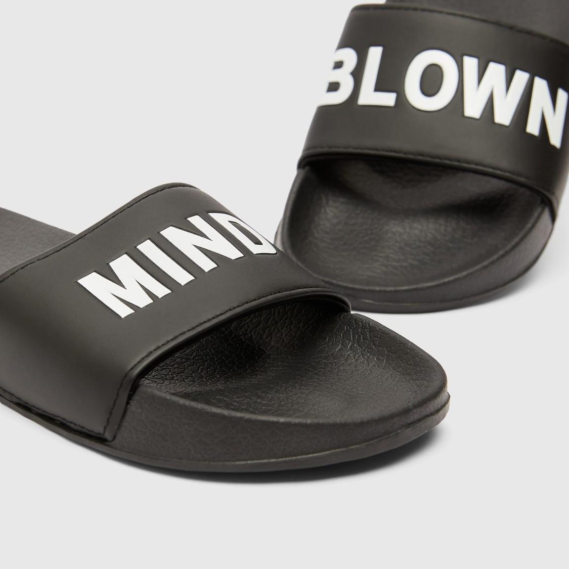 حذاء خفيف بطبعات نصية