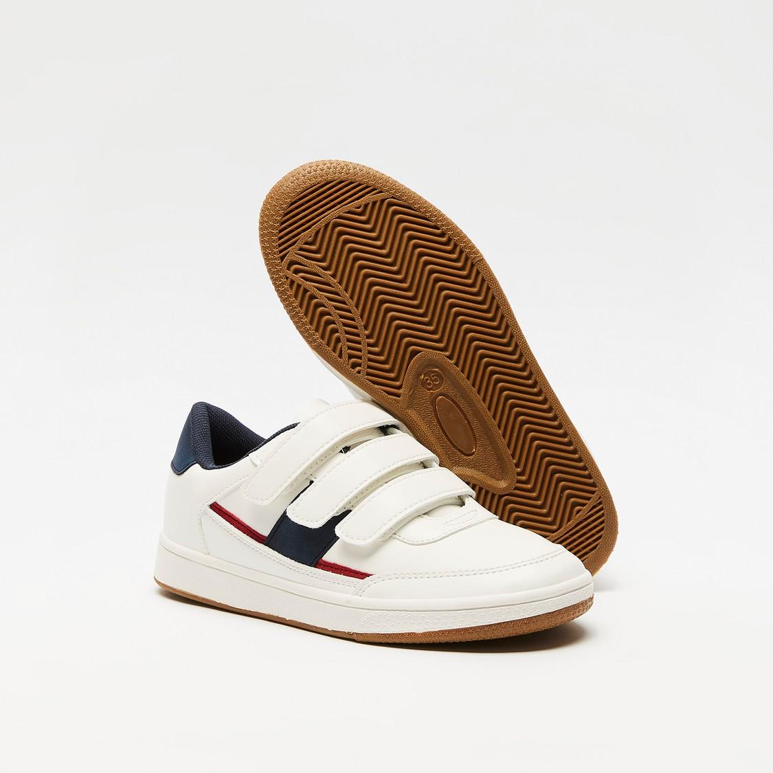 حذاء سنيكرز سادة بخطّاف وحلقة إغلاق
