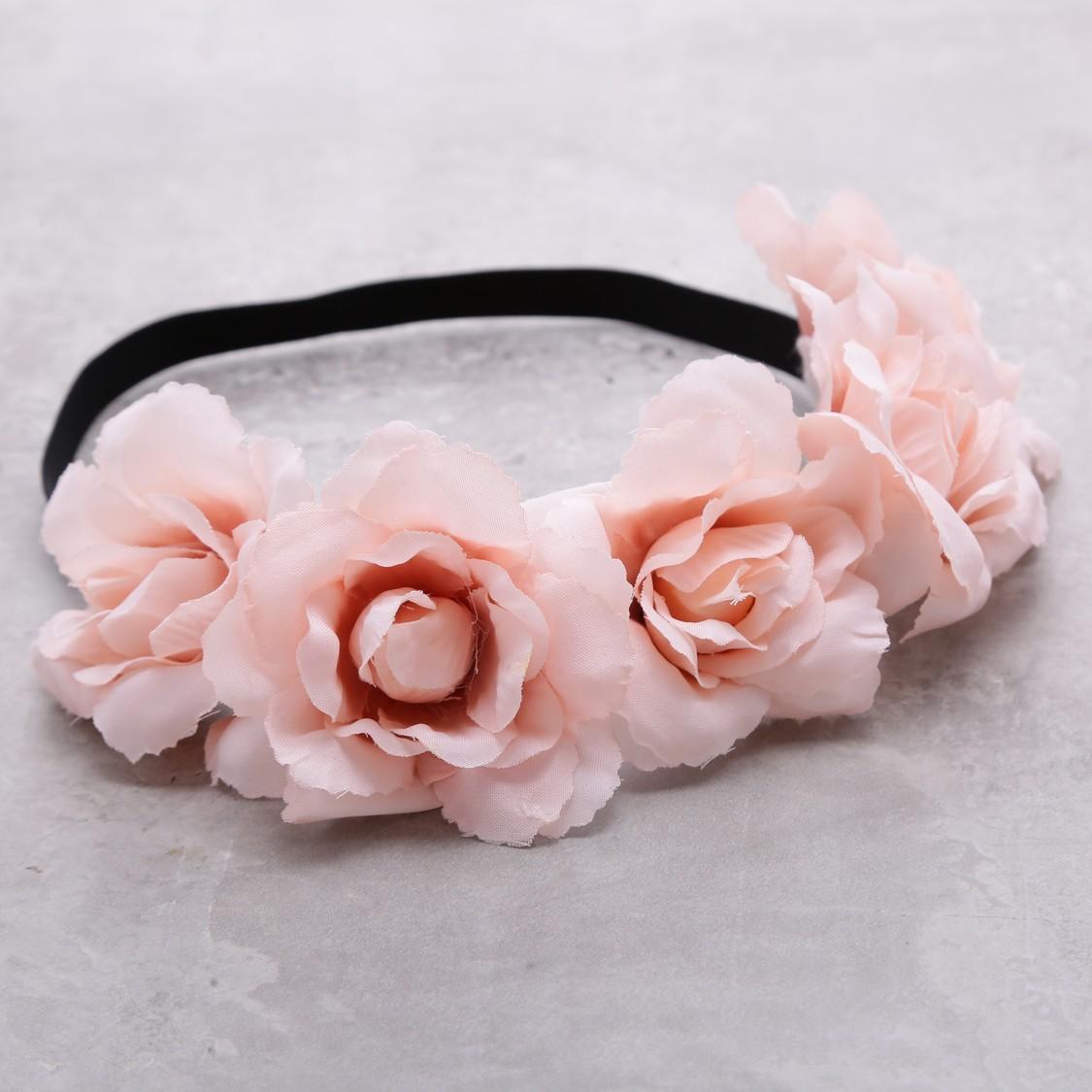 شريط رأس مزيّن بالأزهار