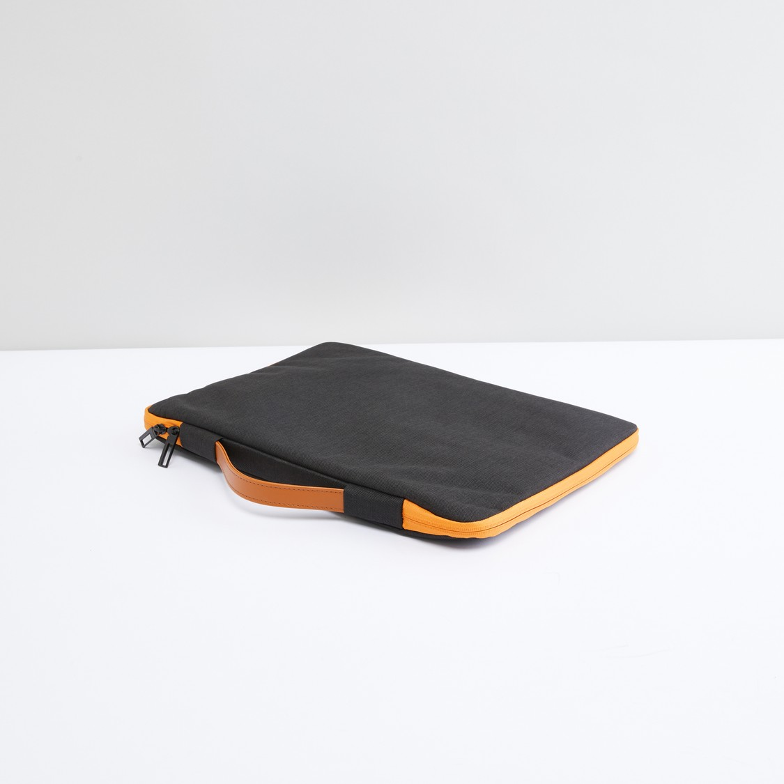 Laptop Sleeves with Zip Closure and Handle