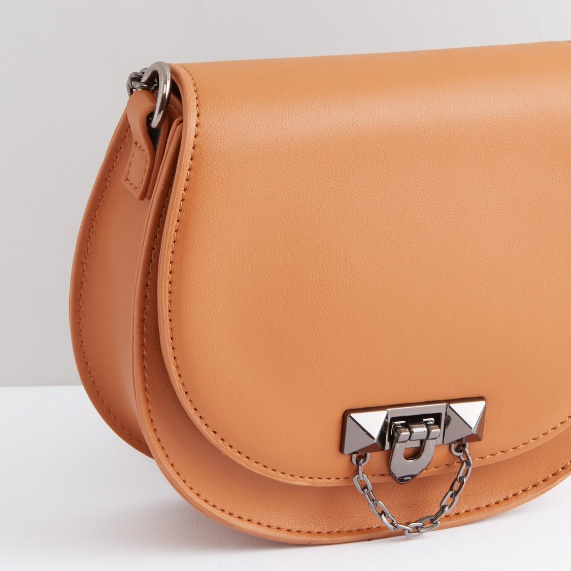 حقيبة كروس بودي مزيّنة بحزام سلسلة