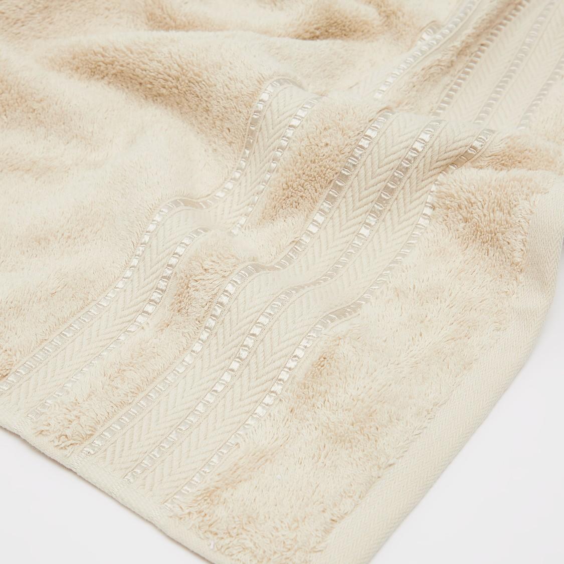 Textured Egyptian Cotton Bath Towel - 140x70 cms