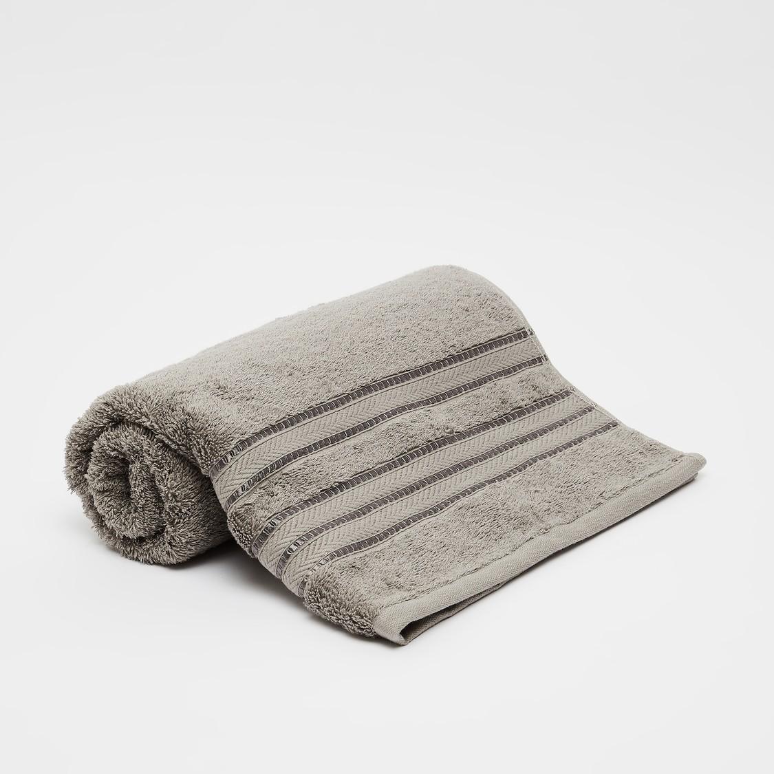 منشفة حمّام كبيرة بارزة الملمس من القطن المصري - 150x90 سم