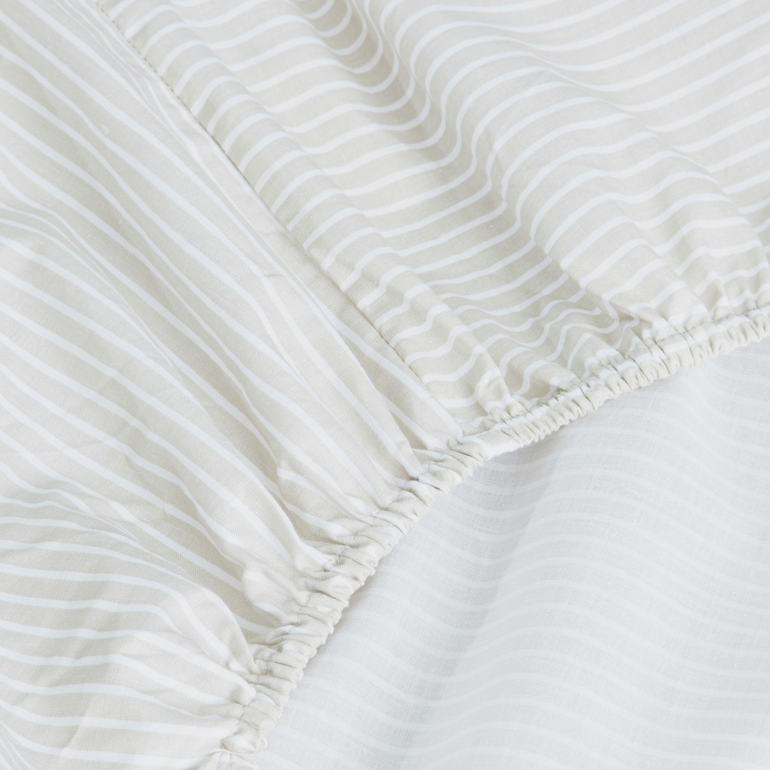 Striped Fitted Sheet with Elasticated Hem - 200x180 cms