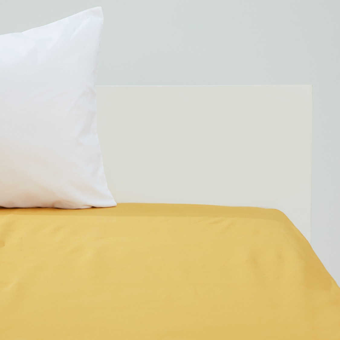 Solid Fitted Sheet - 200x150 cms
