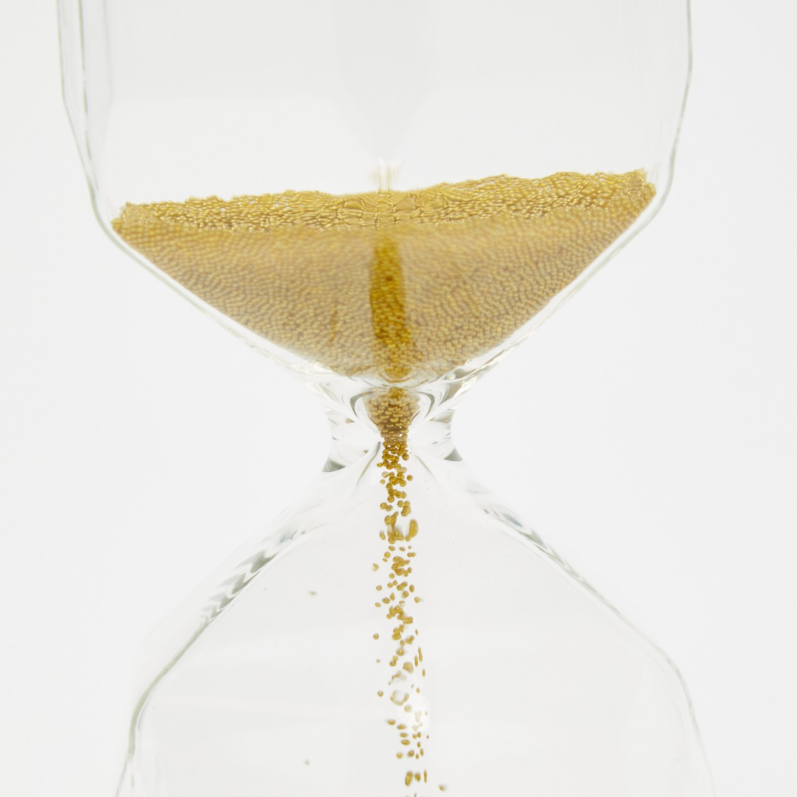 ساعة رملية مزيّنة