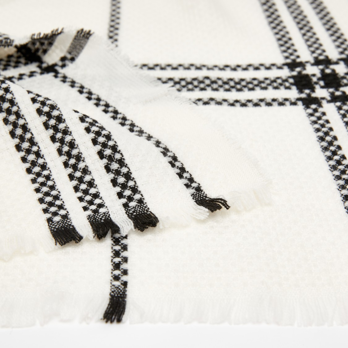 Chequered and Textured Scarf with Fringe Detail