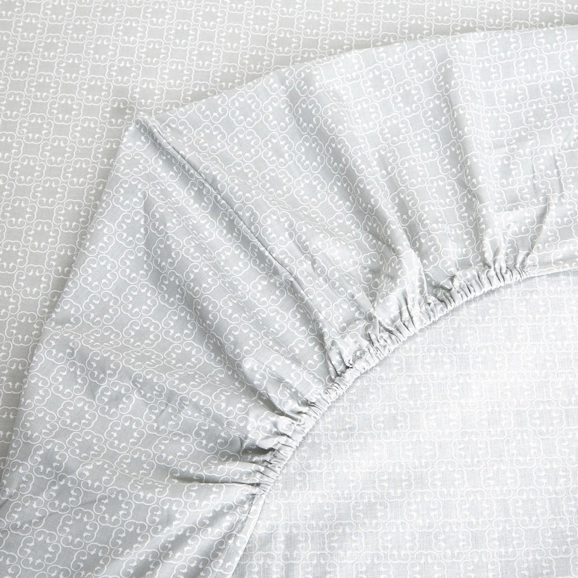 Printed King Size Fitted Sheet - 200x150 cms