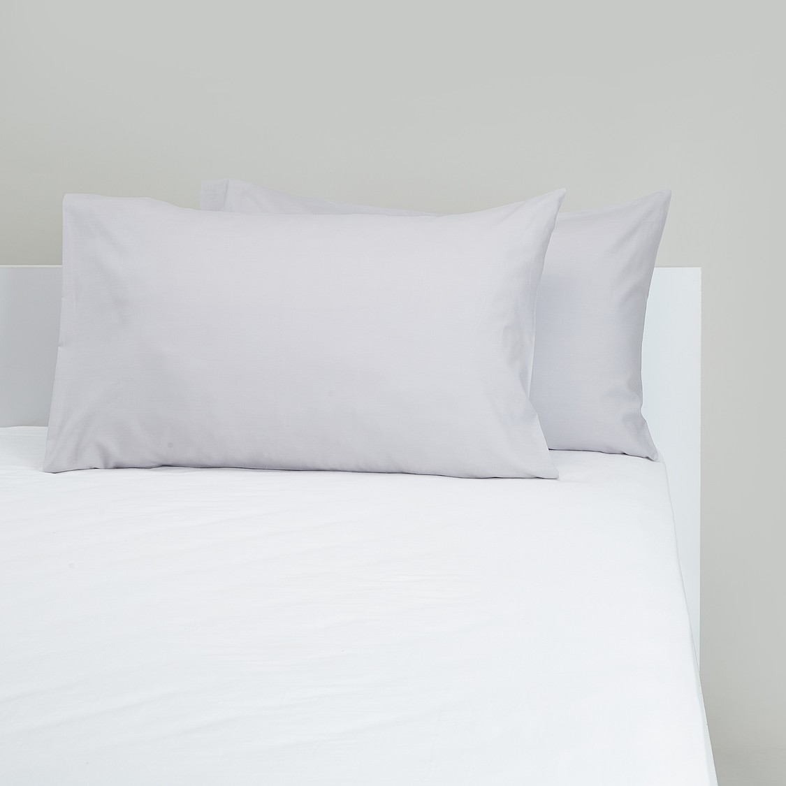 Set of 2 - Solid Pillowcases - 75x50 cms