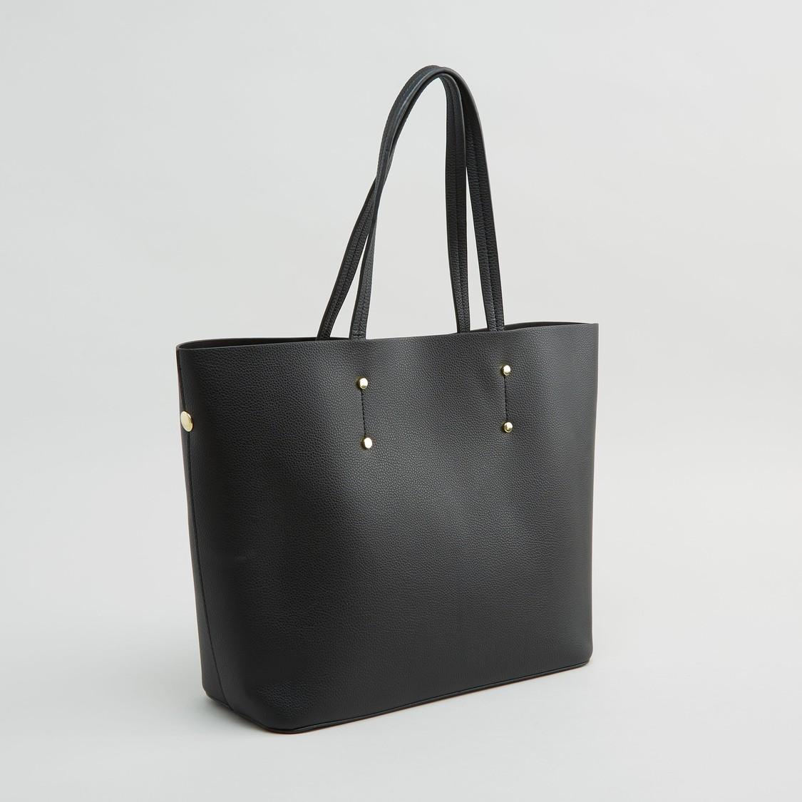 حقيبة يد بارزة الملمس مع حقيبة صغيرة مؤمّنة بسحّاب إغلاق