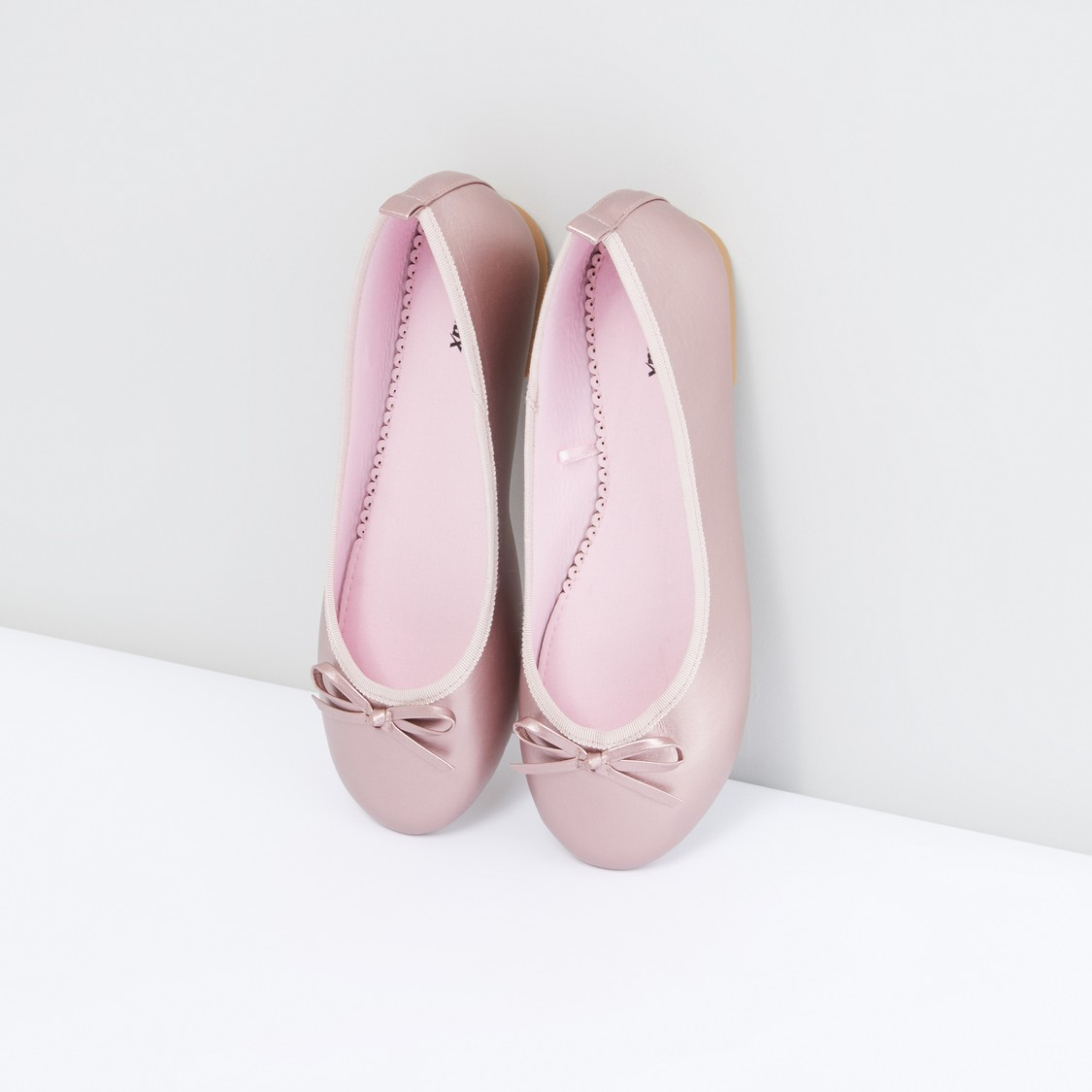 Slip-On Shoes with Bow Detail