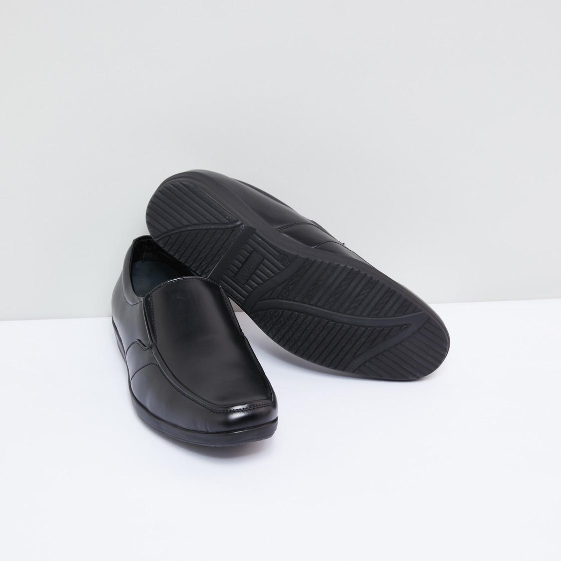 Slip-On Formal Shoes with Elasticised Gussets