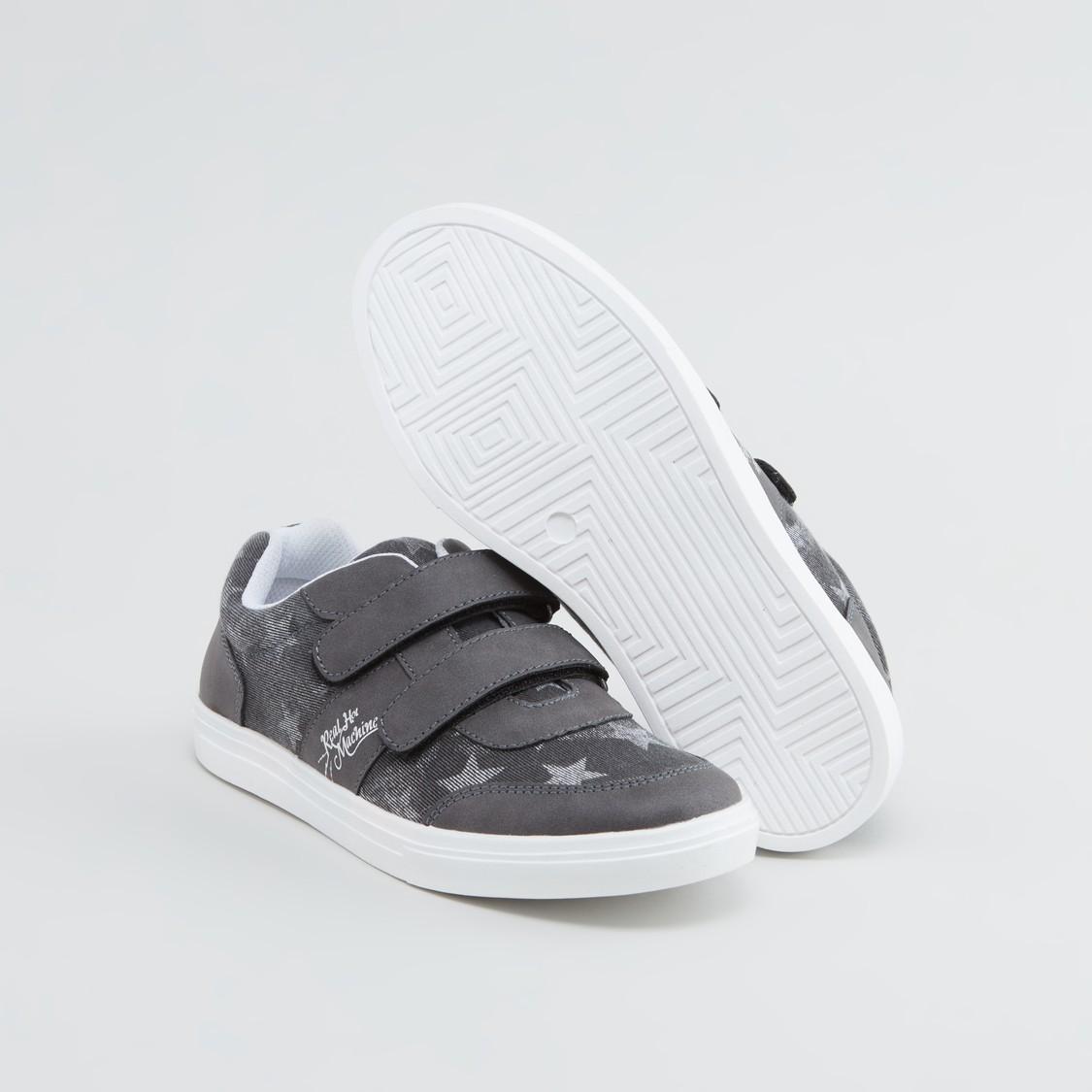 حذاء بشريط إغلاق وطبعات