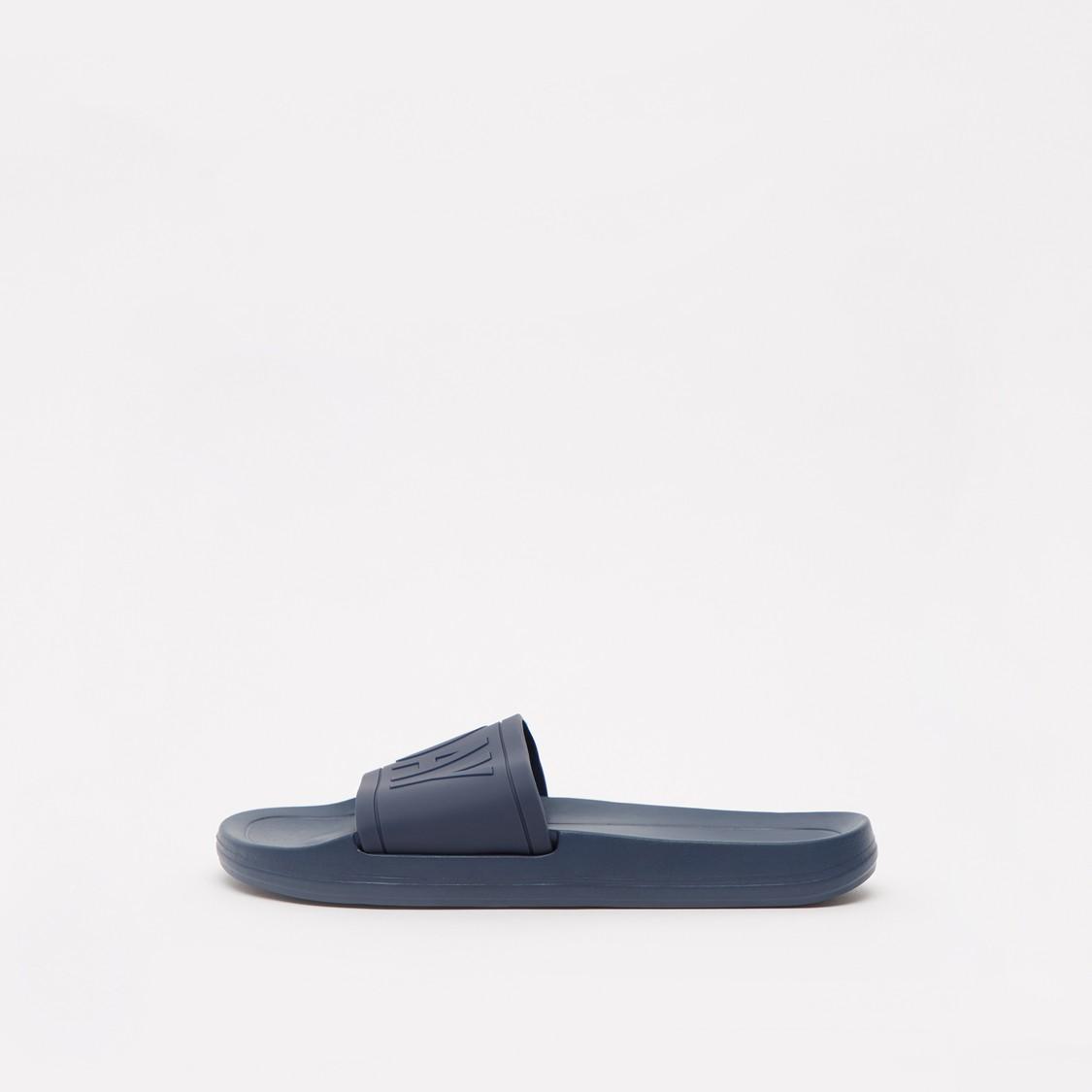 حذاء خفيف للشاطئ بطبعات مزخرفة