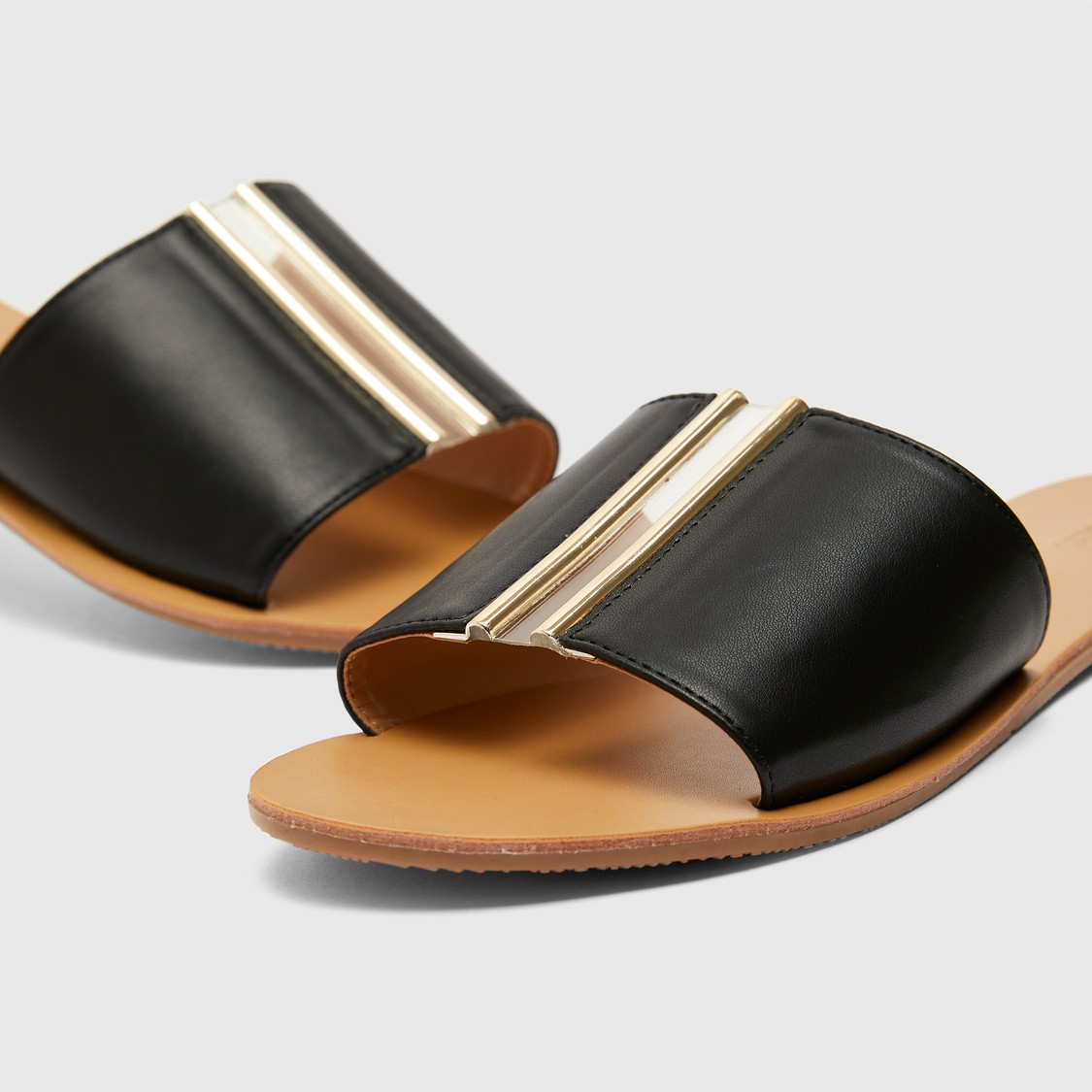 Flat Sandals with Metallic Detail