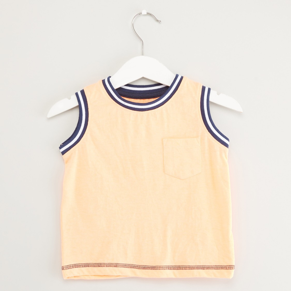 Textured Sleeveless Vest with Round Neck and Chest Pocket