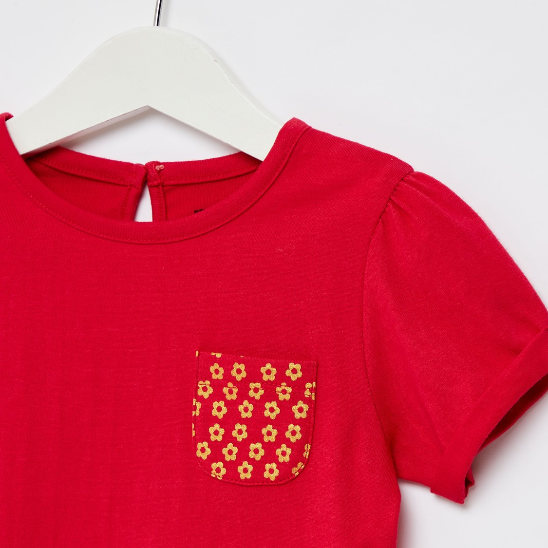 T-shirt with Round Neck and Printed Patch Pocket