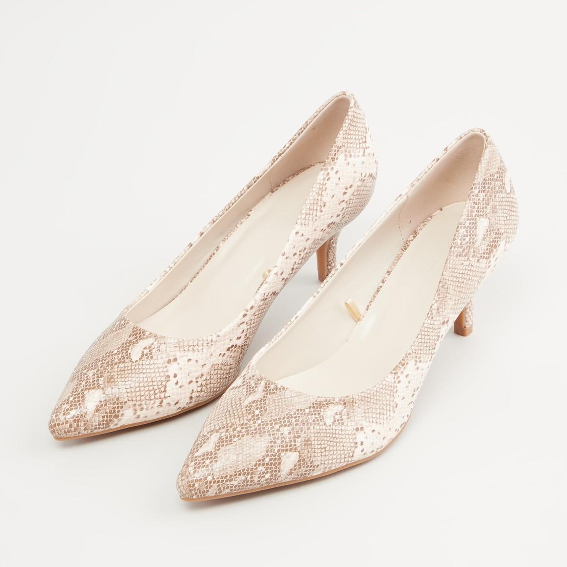 حذاء كلاسيكي بارز الملمس بكعب صغير