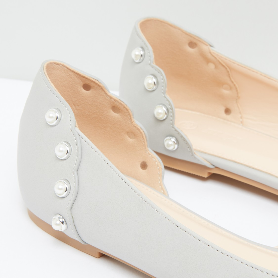 Embellished Pointed Toe Shoes