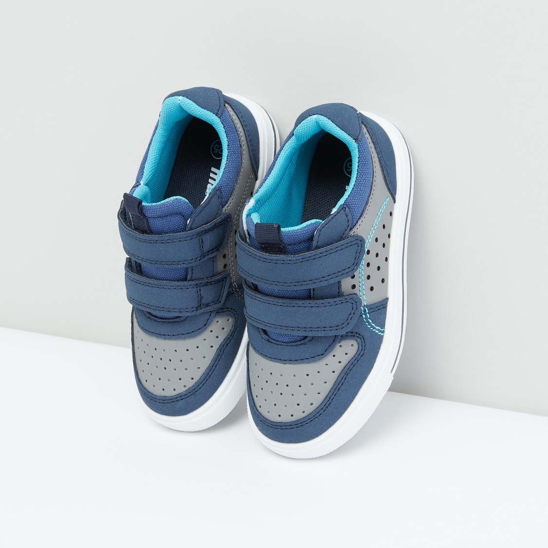 Perforated Sports Shoes with Hook and Loop Closure