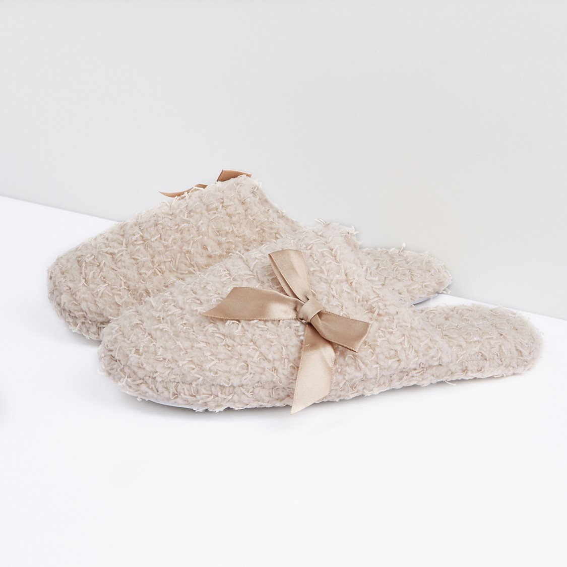 Textured Bedroom Slides with Bow Detail