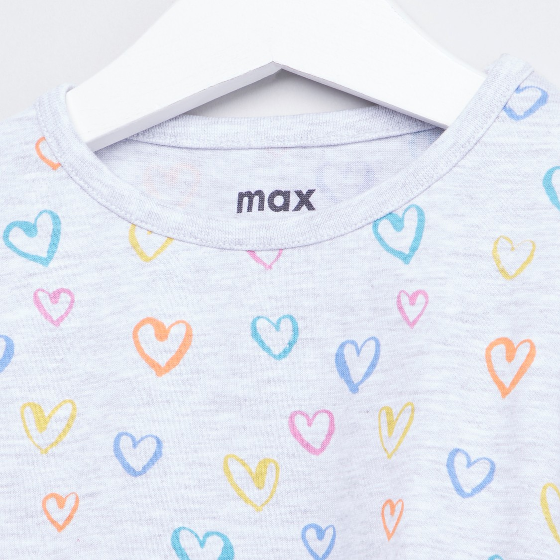 Heart Printed T-shirt with Round Neck and Long Sleeves