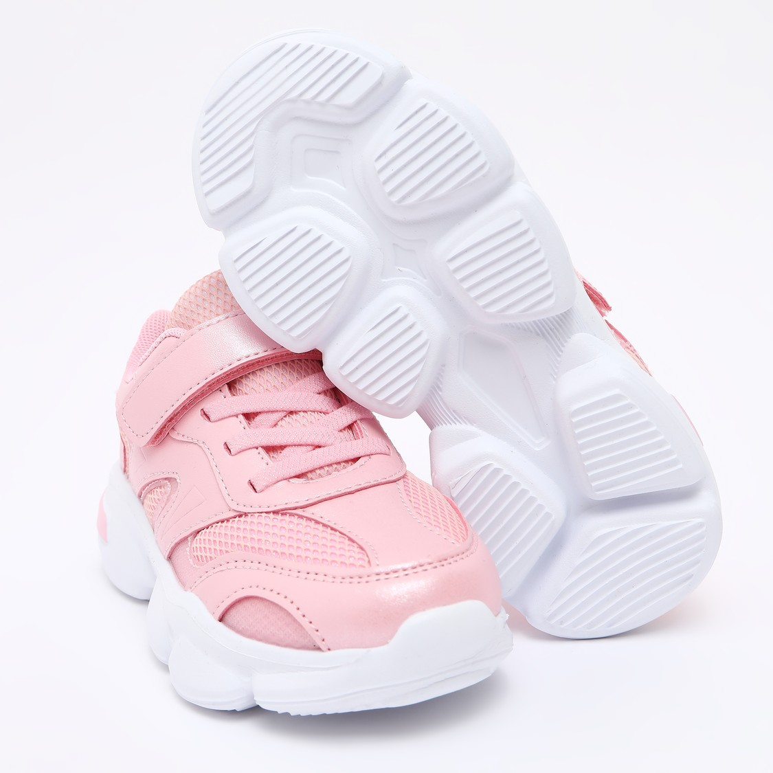 حذاء رياضي بارز الملمس بشريط إغلاق لاصق