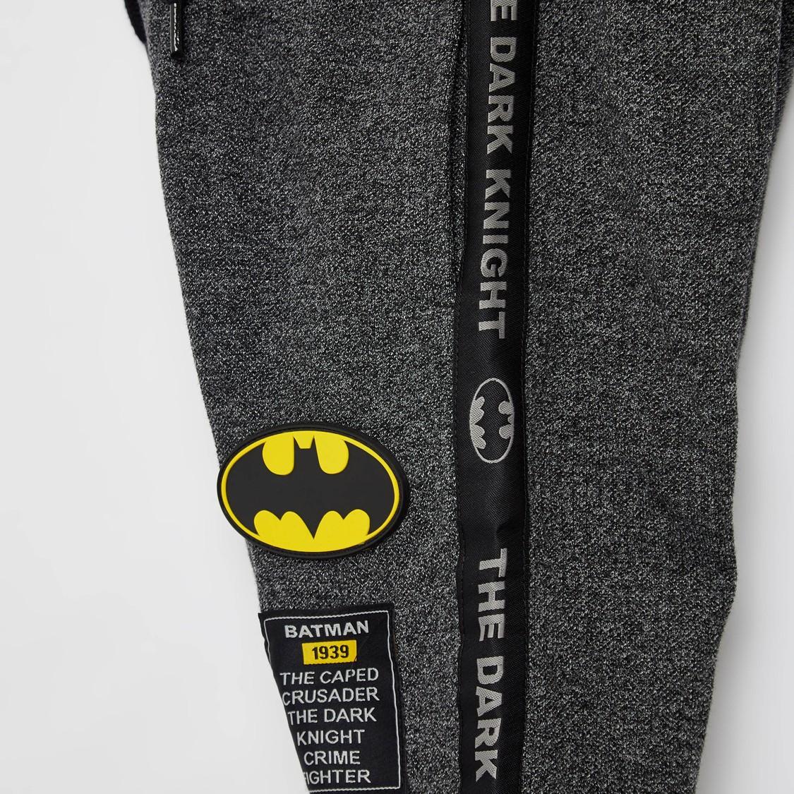بنطلون رياضي بارز الملمس بتصميم باتمان مع رباط إغلاق