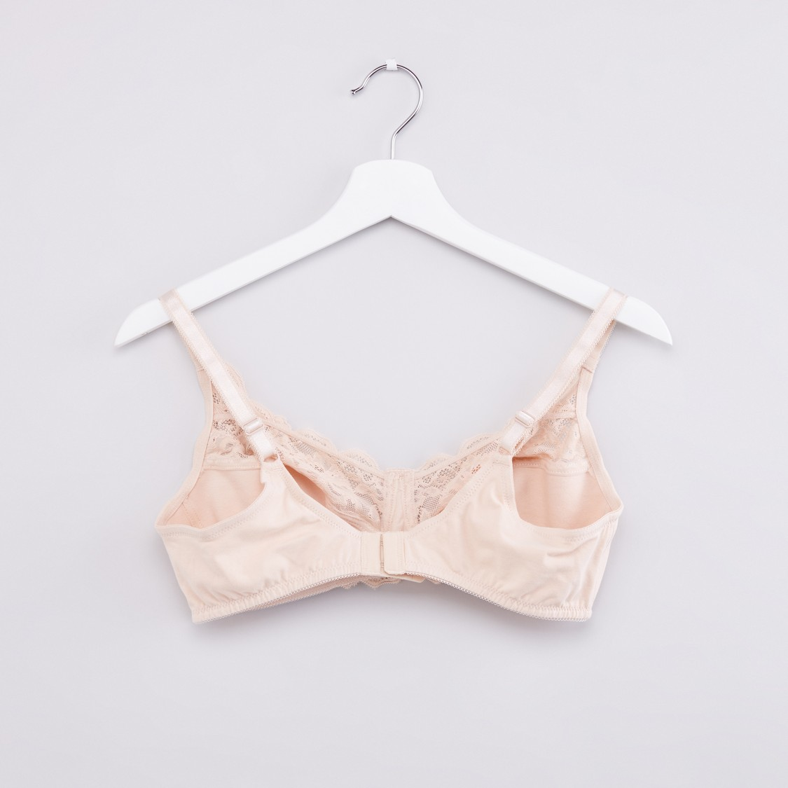 Lace Detailed Bra with Adjustable Straps and Hook and Eye Closure