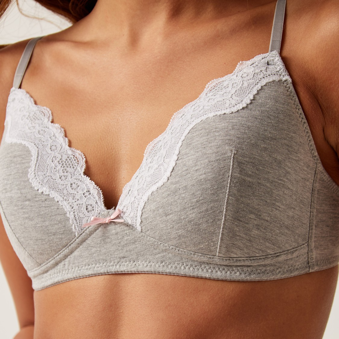 Set of 2 - Lace Detail T-Shirt Bra with Hook and Eye Closure -