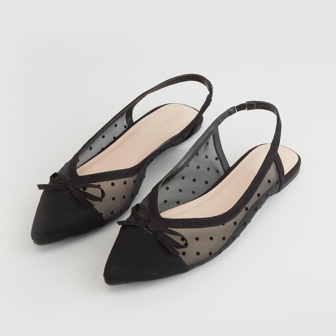 حذاء باليرينا بارز الملمس بفيونكة وحزام خلفي