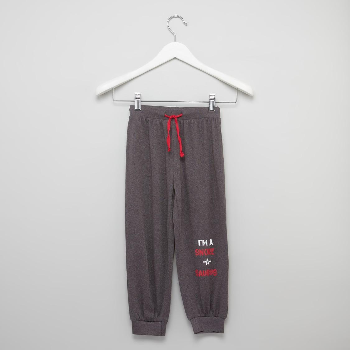 Printed Raglan Sleeves T-shirt with Full Length Jog Pants