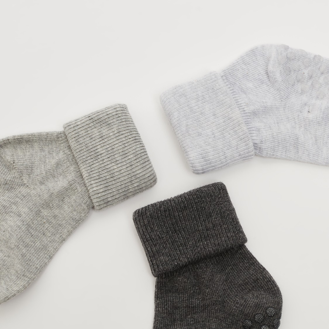 Pack of 3 - Textured Ankle Length Socks with Cuffed Hem