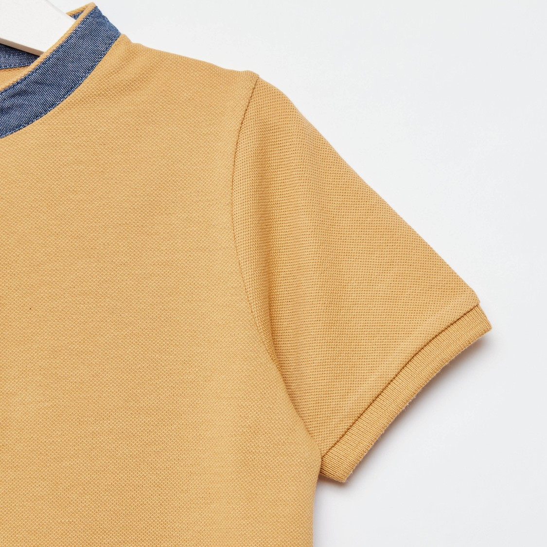 Solid Henley Neck T-shirt with Short Sleeves and Button Closure