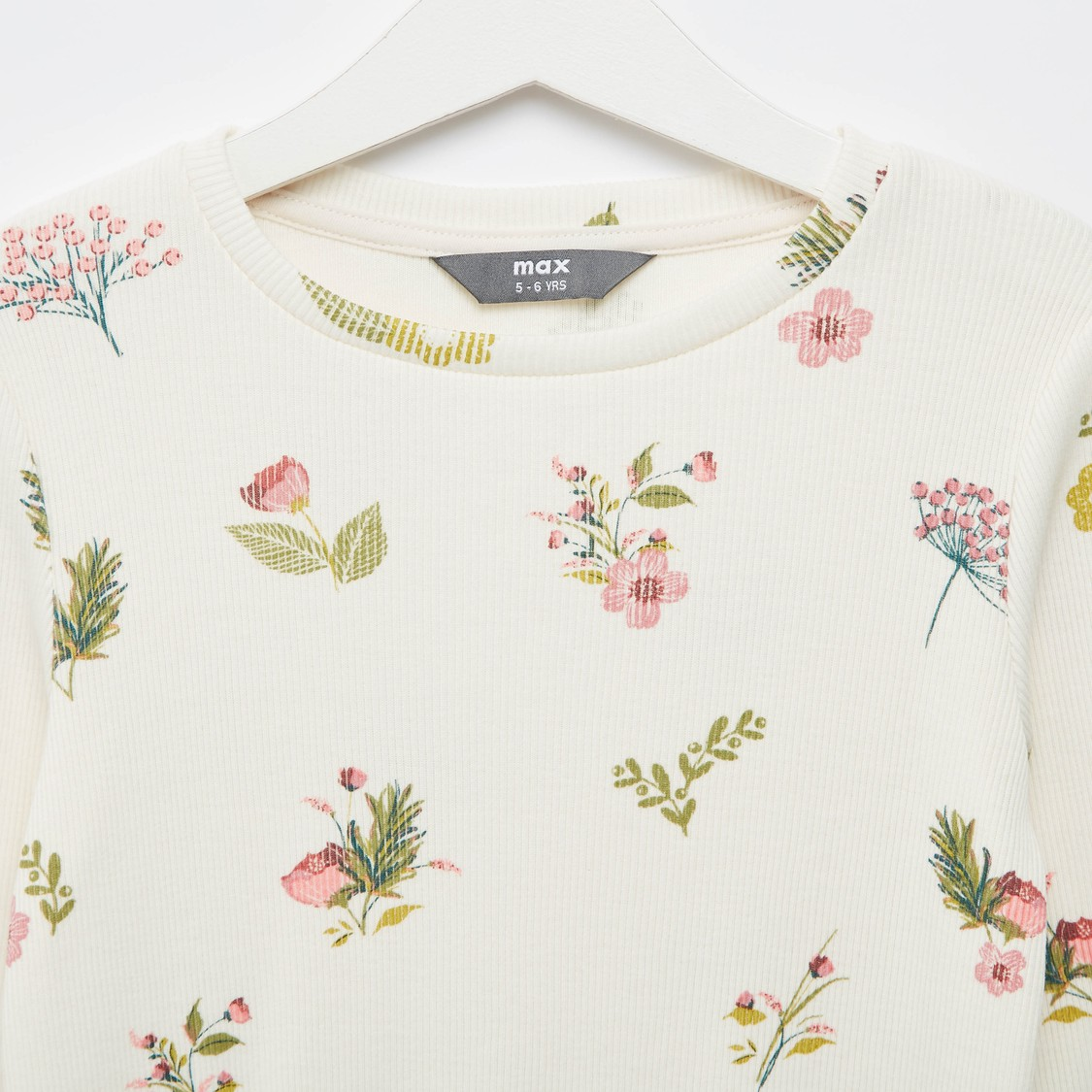 Floral Print Ribbed T-shirt with Round Neck and Long Sleeves
