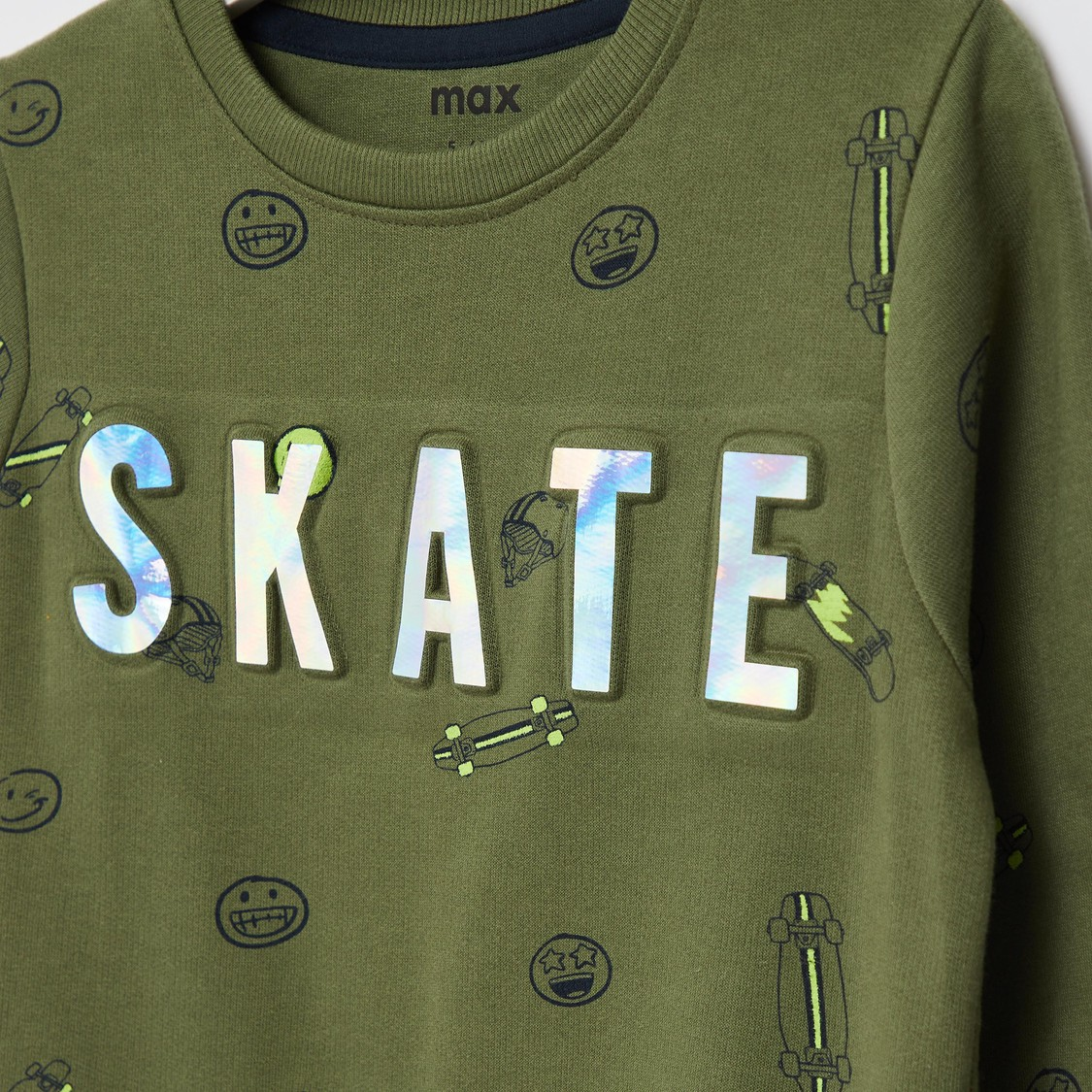 All-Over Print Sweatshirt with Round Neck and Long Sleeves