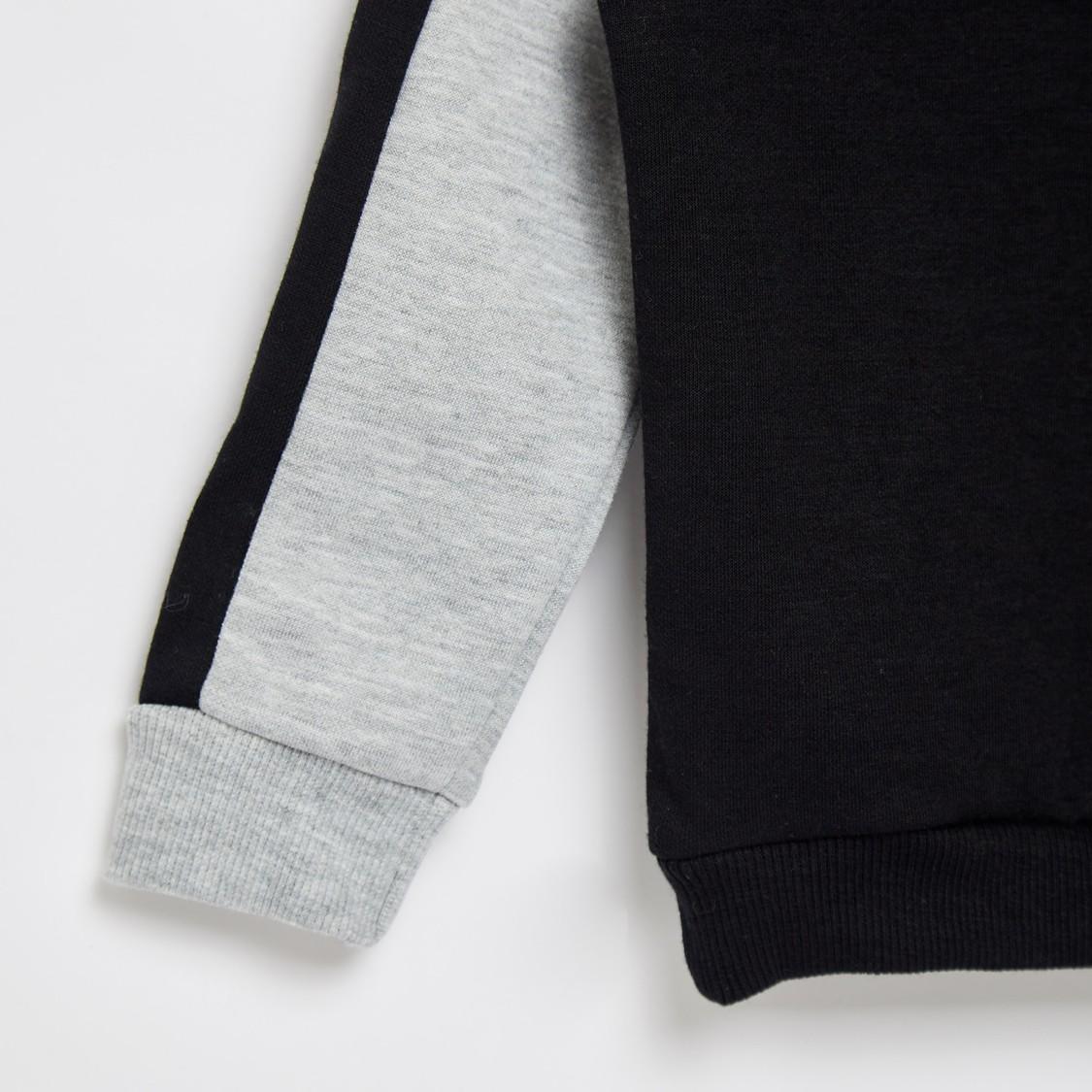 Typographic Print Hoodie with Long Sleeves and Kangaroo Pockets