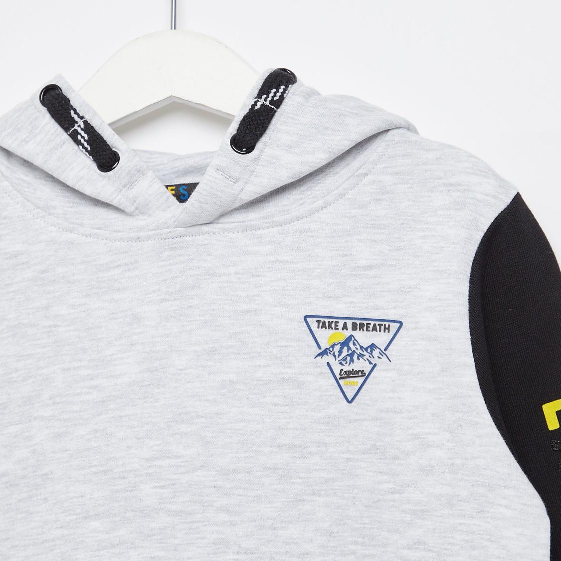 Printed Hoodie with Contrast Sleeves and Kangaroo Pocket
