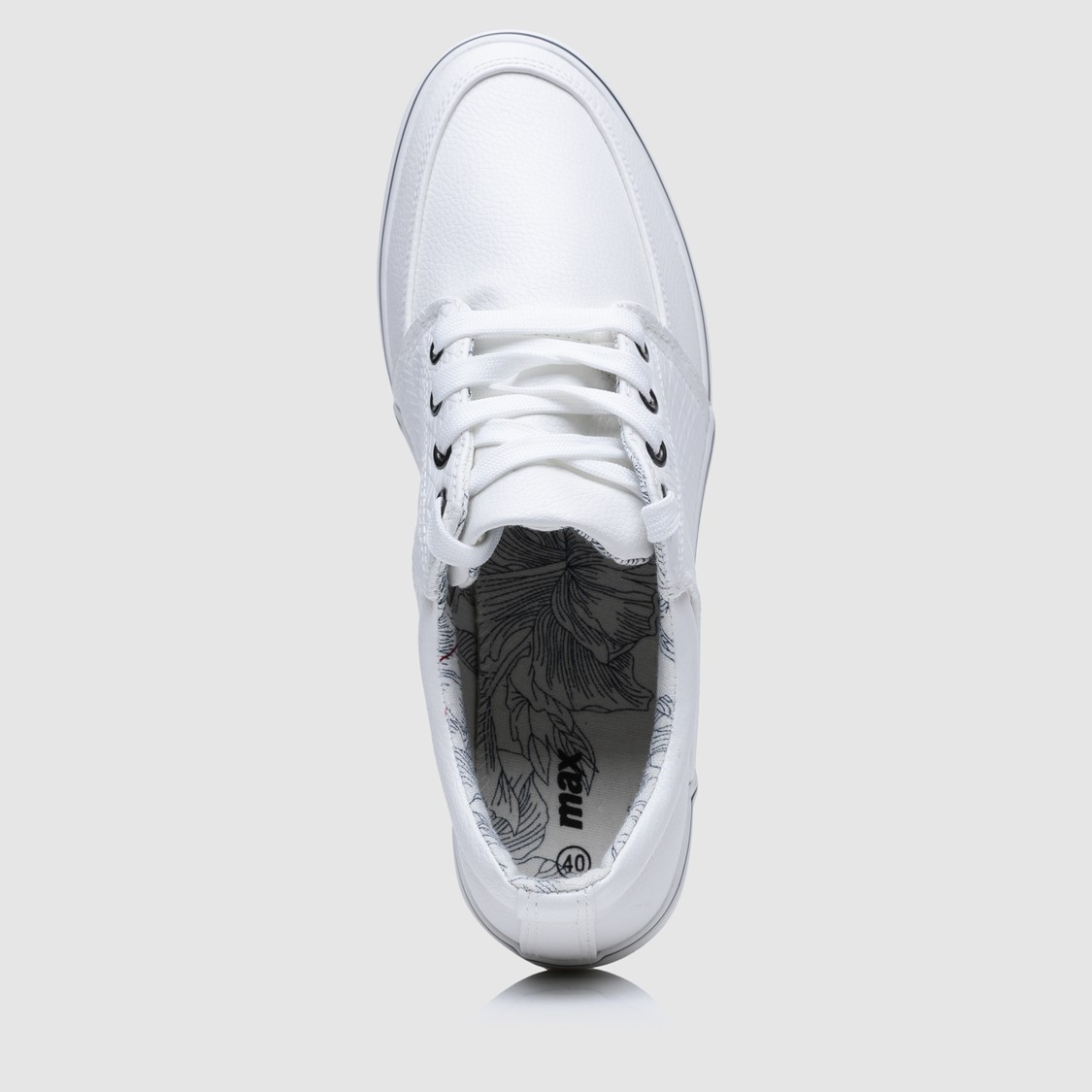 Sneakers with Lace-Up Closure