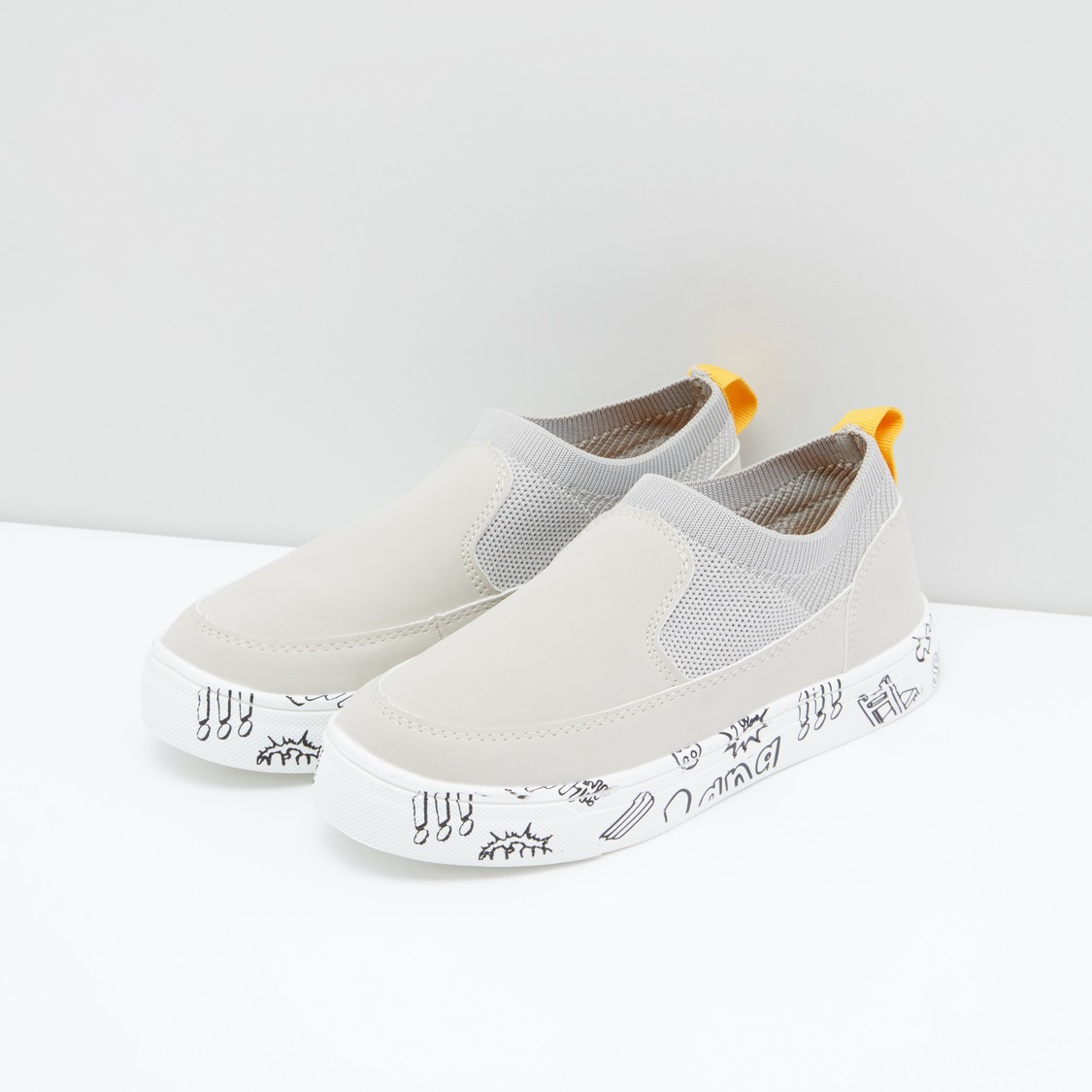 Textured Shoes with Printed Sole