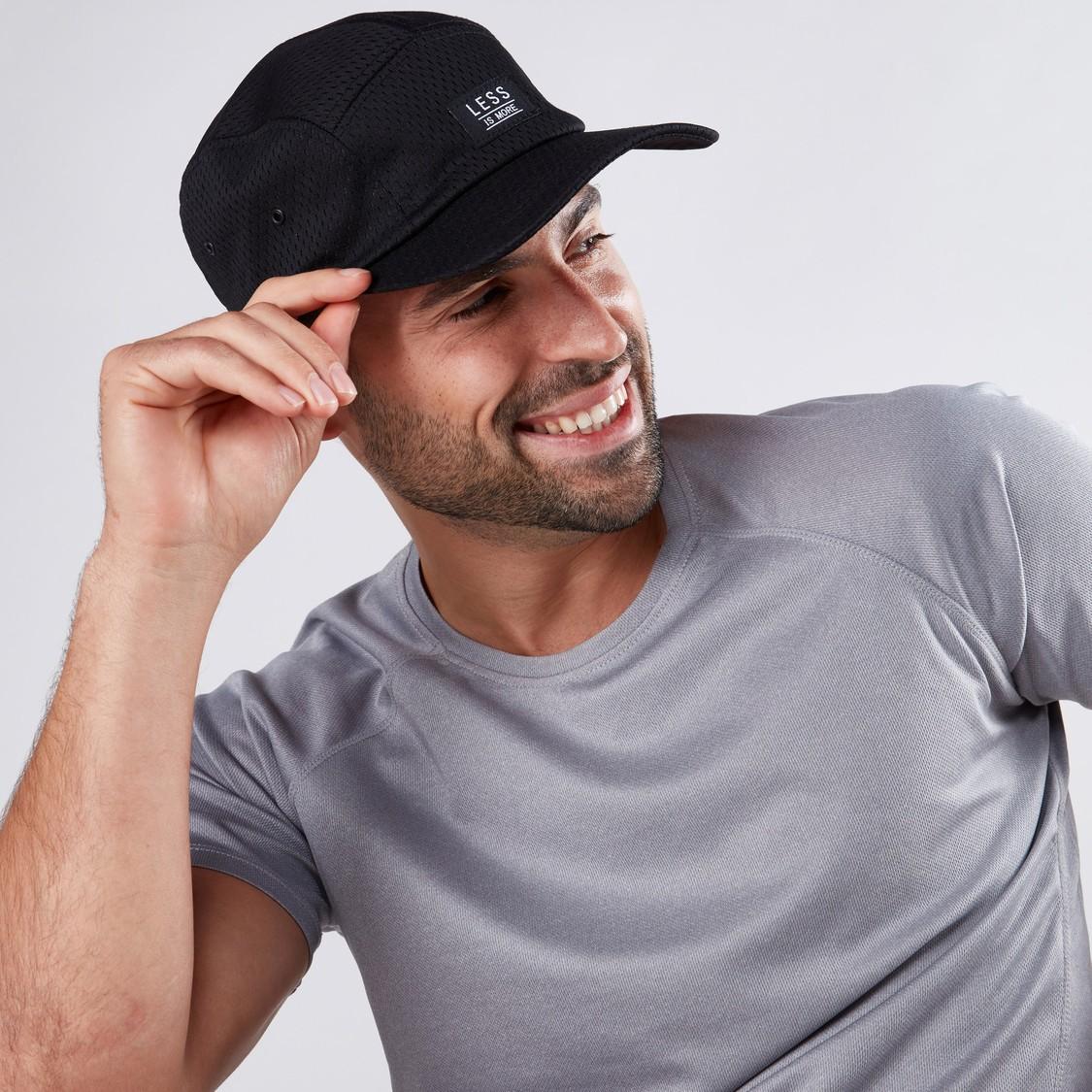 قبعة كاب بحزام خلفي قابل للتعديل