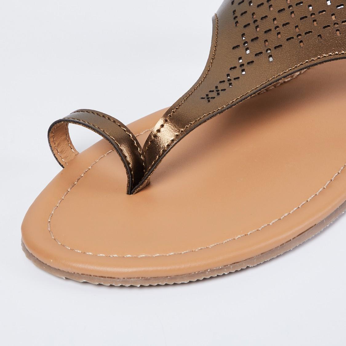 MAX Laser-Cut Toe-Ring Flat Sandals