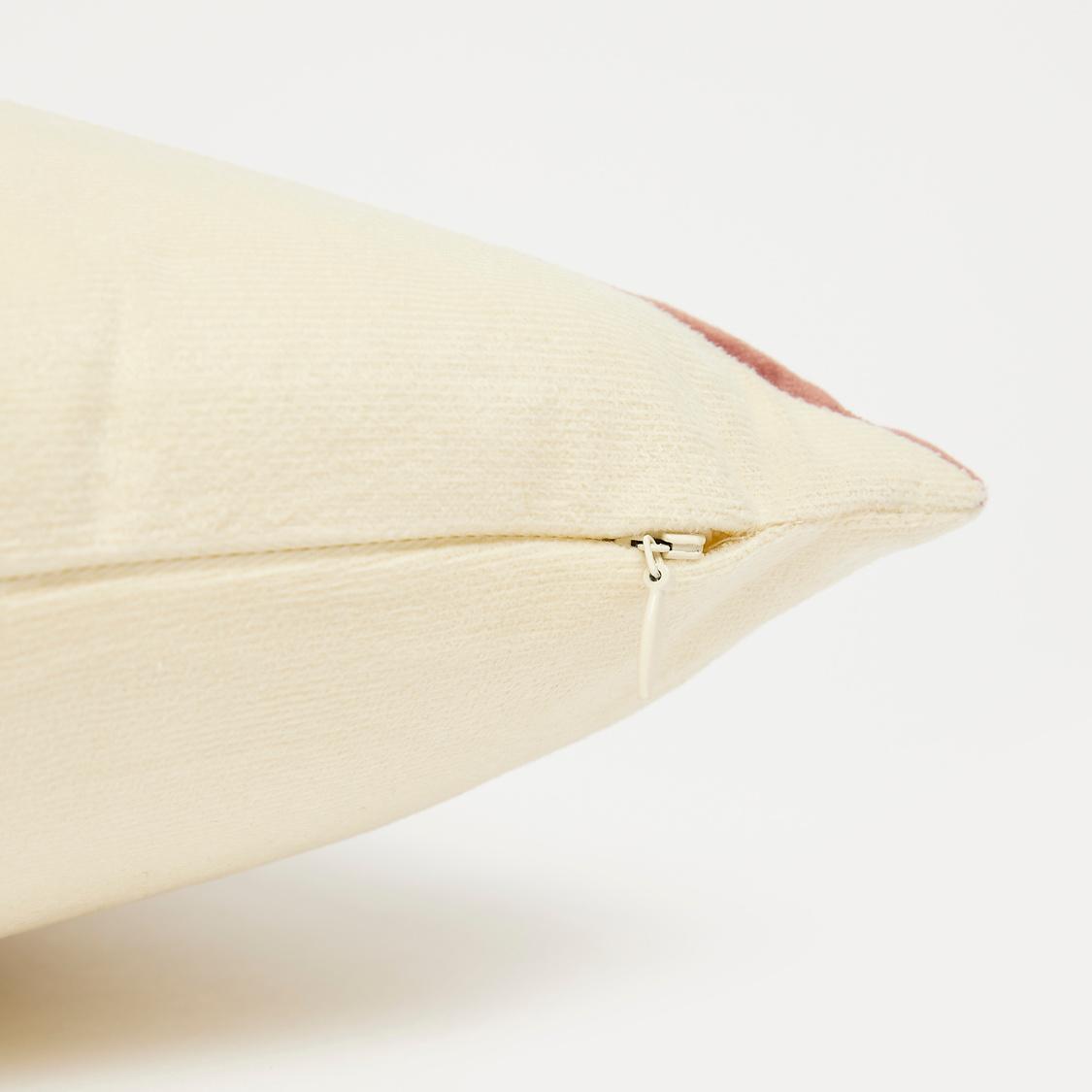 وسادة محشوة بتصميم قوالب ملوّنة - 45x45 سم