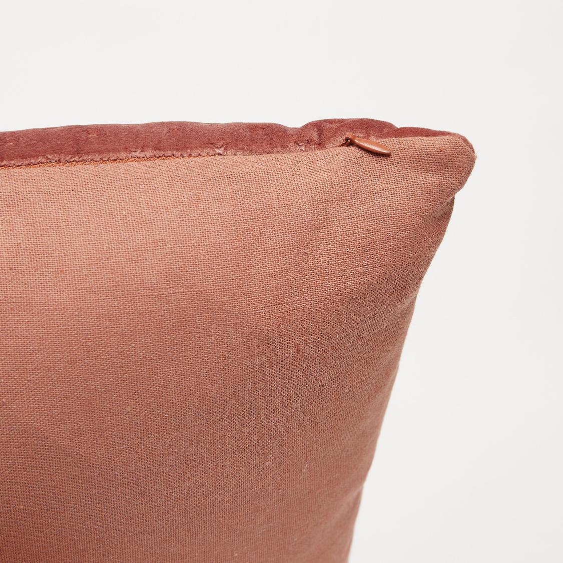 وسادة محشوة منقوشة - 45x45 سم