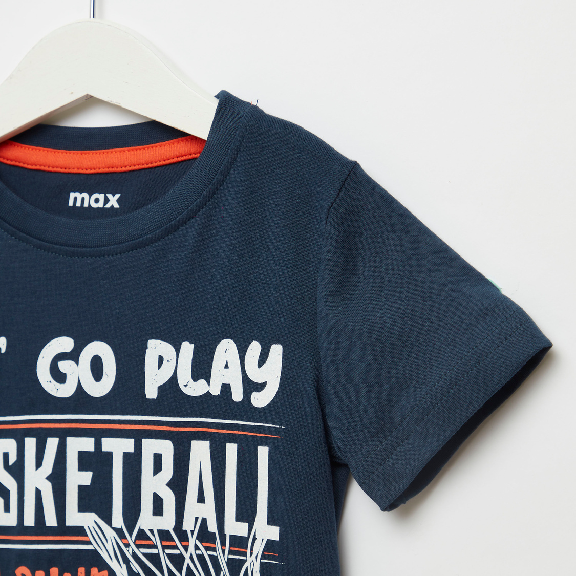 Basketball Print T-shirt with Round Neck and Short Sleeves